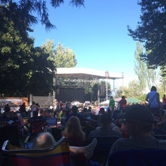 Photo taken at Edgefield Concerts On The Lawn by Tom D. on 8/8/2015