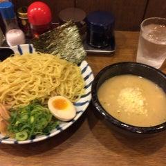 Photo taken at らうめん吟屋 権堂店 by Takuya A. on 5/22/2015
