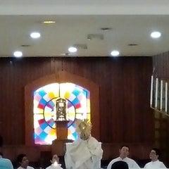 Photo taken at Iglesia La Resurrección by Vicko on 3/21/2014