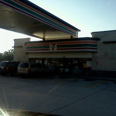 Photo taken at 7-Eleven by Elena C. on 11/20/2012