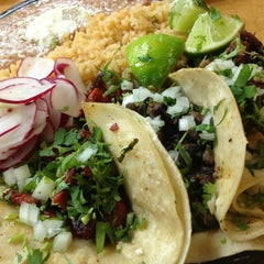 Photo taken at Taqueria Los Ocampo by Ken T. on 5/20/2013