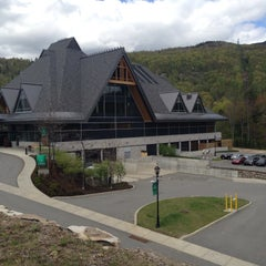 Photo taken at Casino de Mont-Tremblant by Valérie P. on 5/12/2013