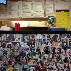 Photo taken at Downtown Dogs by Mouni R. on 11/15/2015