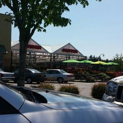 Photo taken at Fred Meyer by Steve E. on 5/30/2015