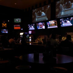 Photo taken at Buffalo Wild Wings by Krsna P. on 8/22/2013