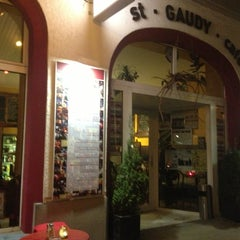 Photo taken at St. Gaudy Café by Gisele N. on 3/7/2013