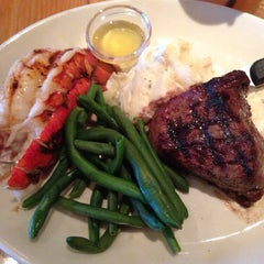 Photo taken at BJ's Restaurant and Brewhouse by Joe Y. on 6/7/2013