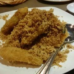 Photo taken at Azalea Restaurant by Jagen M. on 5/12/2014