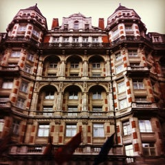 Photo taken at Mandarin Oriental Hyde Park, London by K Esra C. on 4/9/2013