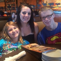 Photo taken at LongHorn Steakhouse by Kerry L. on 9/26/2014