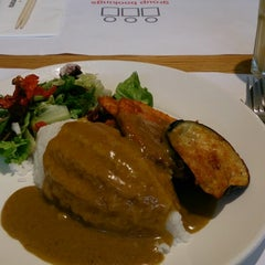 Photo taken at Wagamama by Ko-Z Y. on 9/4/2013