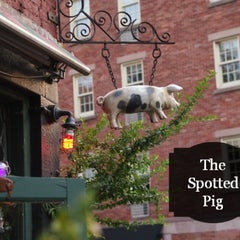 Photo taken at The Spotted Pig by Guy🇬🇧 G. on 3/15/2013