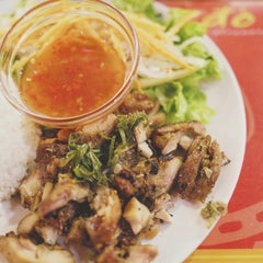 Photo taken at Do An Vietnamese Experience by ardaly.net on 8/13/2015