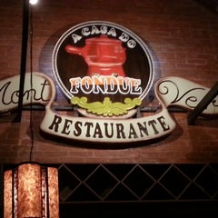 Photo taken at Restaurante Mont Vert by Willian K. on 1/8/2013