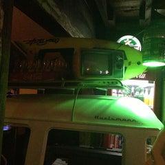 Foto tirada no(a) Das Antiga Pub por Lucas José T. em 4/18/2013