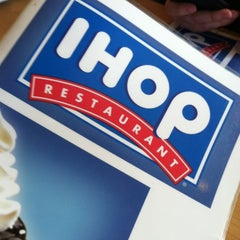 Photo taken at IHOP by No L. on 11/18/2012