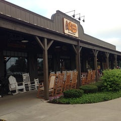 Photo taken at Cracker Barrel Old Country Store by Larry Z. on 8/1/2013