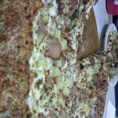 Photo taken at Pizza Hut by Kory JanDi G. on 1/11/2013