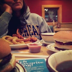 Photo taken at Frisch's Big Boy by Michael J. on 2/19/2013