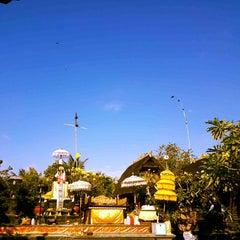 Photo taken at Pura Luhur Candi Narmada Tanah Kilap by Goes A. on 8/14/2014