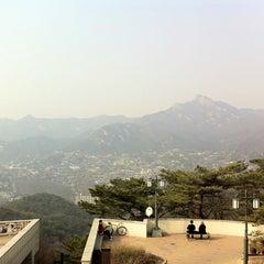 Photo taken at 북악스카이웨이 팔각정 (Bukak Skyway Palgakjeong) by Sun-young L. on 3/9/2013