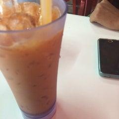 Photo taken at D'Cherang Restoran by Syam on 6/16/2015