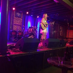 Photo taken at Duck Room at Blueberry Hill by Mark J. on 9/25/2015