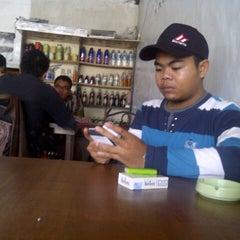 Photo taken at Babi panggang Karo by Udik M. on 9/30/2012
