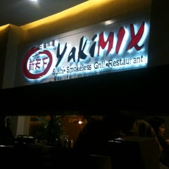 Photo taken at YakiMix Sushi & Smokeless Grill by Ria E. on 11/3/2012