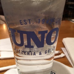 Photo taken at Uno Pizzeria & Grill - Columbia by (^o^) あ. on 10/11/2015