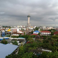 Photo taken at โรงเรียนสตรีสมุทรปราการ (Streesmutprakan School) by Gig A. on 6/16/2015