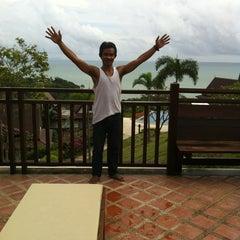 Photo taken at Baan Kantiang Villa Resort by Jaran S. on 9/28/2012