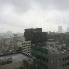 Photo taken at ヤマハミュージックアベニュー新宿クラッセ by Ichiro S. on 6/22/2014