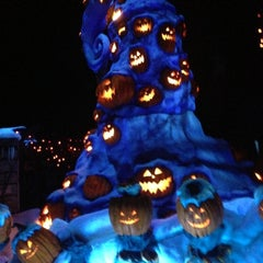 Photo taken at Haunted Mansion by Raúl H. on 12/11/2012