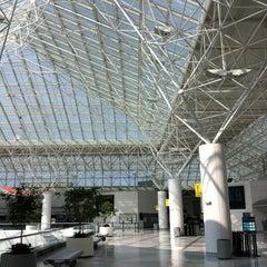 Photo taken at Baltimore / Washington International Thurgood Marshall Airport (BWI) by Dan A. on 4/17/2013