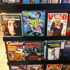 Photo taken at Barnes & Noble by InFloyd W. on 10/19/2012