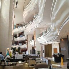 Photo taken at Shangri-La Hotel by Margarita P. on 10/28/2012