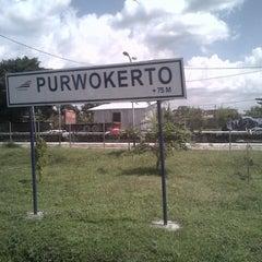 Photo taken at Stasiun Purwokerto by ozza p. on 7/19/2013