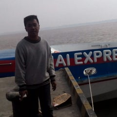 Photo taken at Pelabuhan Tanjung Buton Riau by Dony M. on 2/3/2014