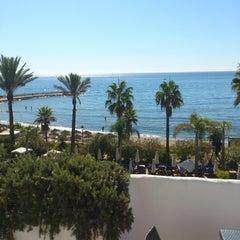 Foto tomada en Hotel Puente Romano por CKOTTina N. el 9/15/2012