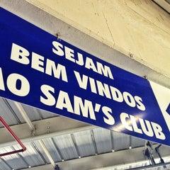 Photo taken at Sam's Club by Haroldo F. on 3/25/2013