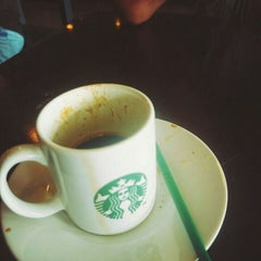 Photo taken at Starbucks by Aniek S. on 11/10/2015