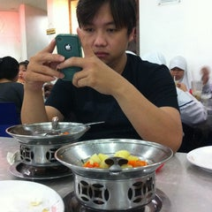 Photo taken at Bakso Malang Karapitan (BMK) by Christina R. on 8/17/2013