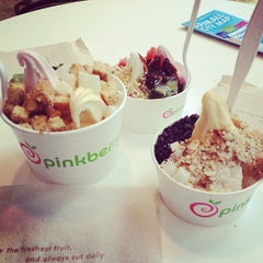 Photo taken at Pinkberry by Bogdan K. on 5/3/2013