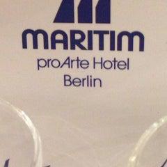 Photo taken at Maritim proArte Hotel Berlin by Ramy K. on 10/3/2014