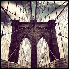 Photo taken at Brooklyn Bridge by Ilovetapatio on 7/23/2013