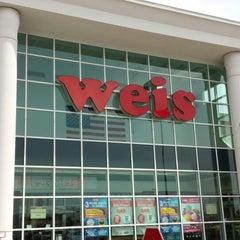 Photo taken at Weis Markets by Matt N. on 4/13/2014