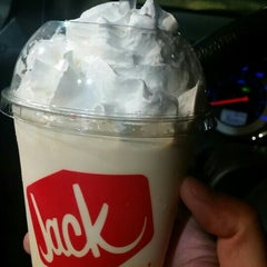 Photo taken at Jack in the Box by Tommy B. on 10/5/2015