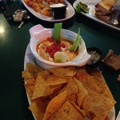 Photo taken at Putters Sports Grill by Arrington J. on 5/29/2014