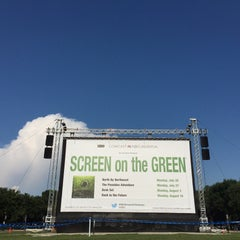Photo taken at Screen on the Green by Nick M. on 7/27/2015